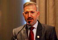 Clenilton Pereira toma posse como presidente da Fecam